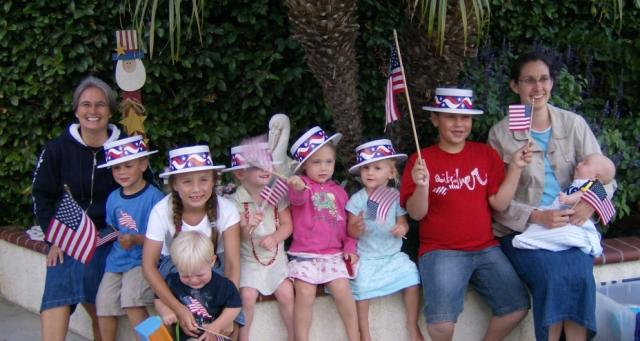 4th of July @ the Thompsons with sister workers Corle & Sara